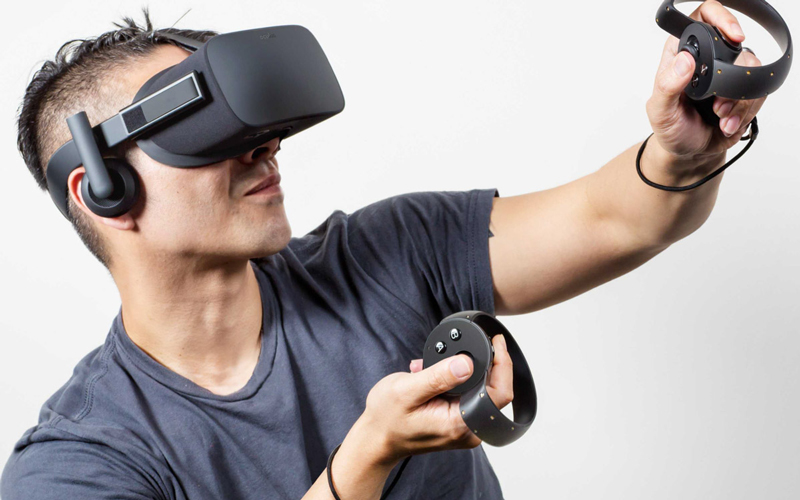facebooks-oculus-rift-vr-headset-is-still-on-track-for-q1-launch-despite-some-doubts